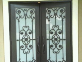 exterior door painter in Jacksonville completes new door finish