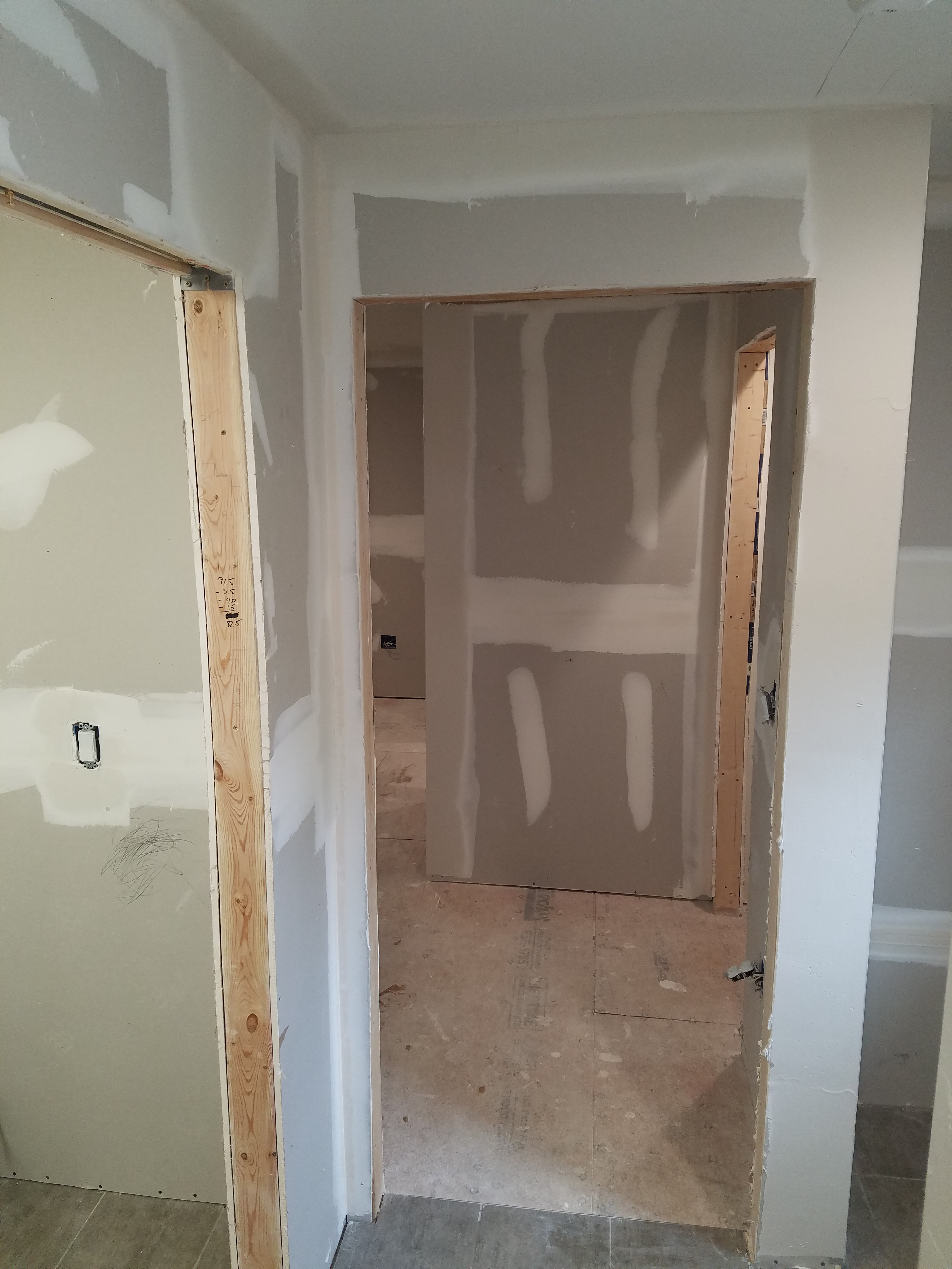 Hang New Sheetrock Mud Tape And Finish In San Marco