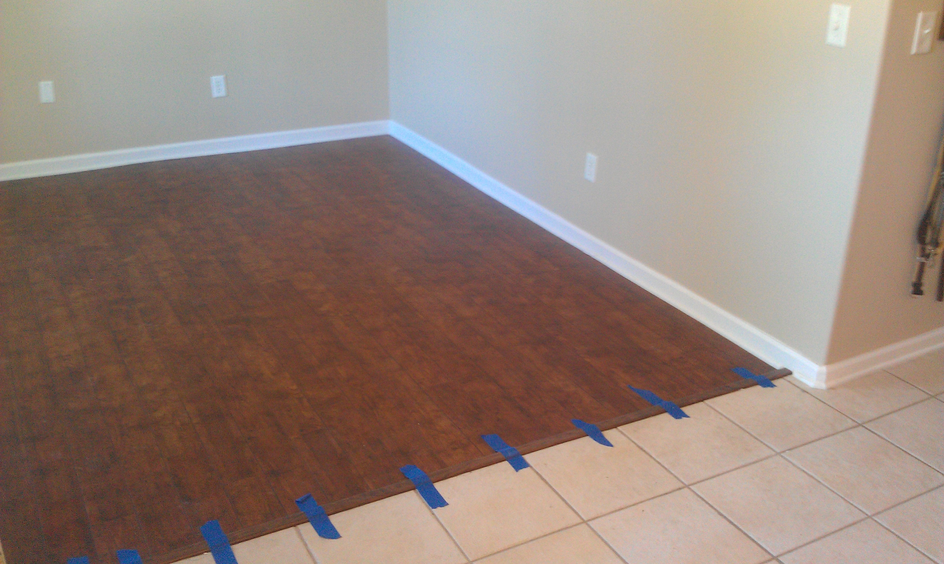 Refinishing linoleum floors carpet vidalondon for Painting vinyl floor tile